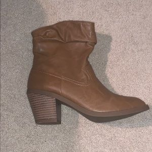 Low brown cowboy boots. Brand new!